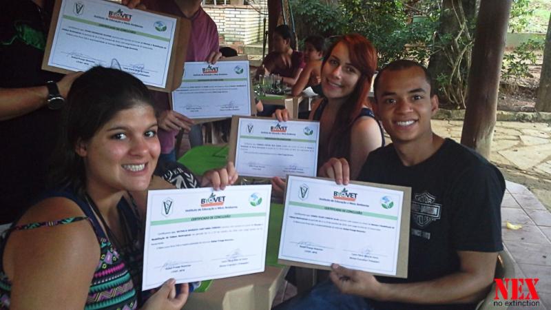 Sorrisos e certificados